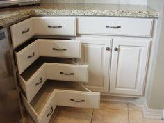 Kitchen corner storage cabinets cabinet minimalist ideas blind k racks Kitchen Corner Cupboard, Corner Pantry, Corner Storage, Grey Kitchen Cabinets, Corner Drawers, Corner Cabinets, Kitchen Floor Plans, Kitchen Flooring, House Floor Plans