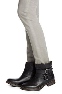 robust leather ankle boots   buckles