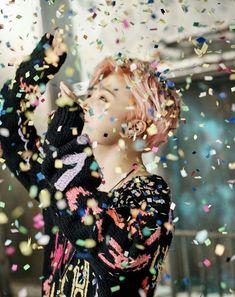 "BTS поделились концепт-фото альбома ""Wings: you never walk alone""   YESASIA"