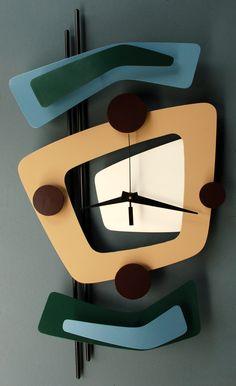 """Modern REetro Metal Art Sculpture Clock  ~ """"Stevo"""""""