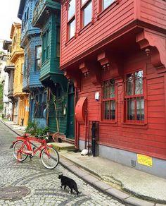Traditional Turkish Houses - Kuzguncuk, Istanbul Turkey