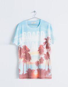 Camiseta estampado palmeras