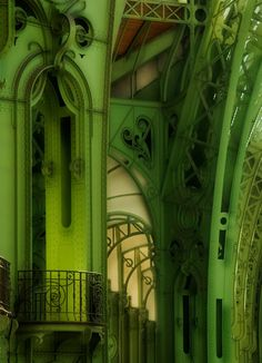painted in green, the metallic structure looks lighter