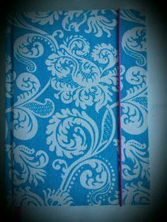 Cuaderno Artesanal - Arabescos 2 ♡ Tapa dura ♡ 96 hojas rayadas  ♡ Papel bookcel  ♡ Señalador  ♡ Elástico  ♡ Encuadernación tradicional   Adquirí éste y otros modelos en www.amourlingerie.mitiendanube.com