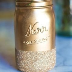Love mason jars? Here's 5 new ways to use them in your wedding. (via Lilyshop)