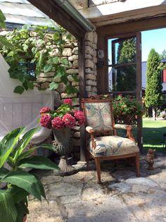 f98b74a2296 Muhu saare süles uneleb Villa Hortensia - Sisekujundus ja sisustus - Kodu  Villa, Patterns,