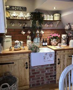 Cosy Kitchen, Shabby Chic Kitchen, Kitchen Redo, Home Decor Kitchen, Kitchen Remodel, Rustic Country Kitchens, Cottage Kitchens, English Cottage Interiors, Estilo Country