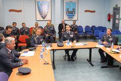 Don Felipe en la Sala de Operaciones del CAOC-Torrejón, es informado de las actividades que desarrolla el Centro Base Aérea de Torrejón. Torrejón de Ardoz (Madrid), 19.05.2015