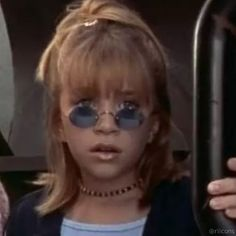 Matching Wallpaper, Twitter Profile Picture, Current Mood Meme, Mary Kate Ashley, Beautiful Female Celebrities, Cartoon Profile Pictures, Full House, Aesthetic Vintage, Meme Faces