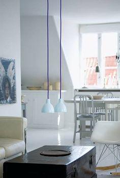 Low-hanging lamps