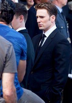Chris Evans on the set of Captain America Civil War / May 15, 2015.