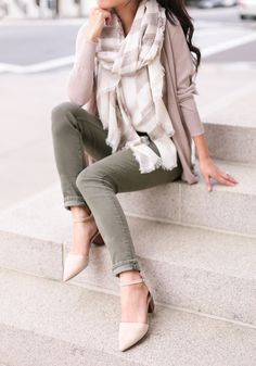 olive jeans + linen cardigan // spring fashion casual outfit ideas