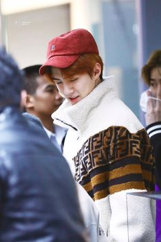 "sehun, the fluffiest and coziest baby boy ever 🥺"" Sehun, Park Chanyeol, Exo K, Got7, Kim Minseok, Exo Members, Airport Style, Airport Fashion, Memes"