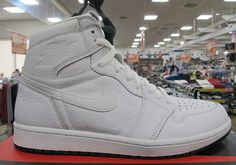 First Look At The Air Jordan 1 Retro High OG Pure White