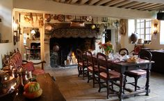 Looks like a classic New England kitchen setting.Love the beams. Country House Interior, French Interior, French Decor, French Country Decorating, Country Homes, Cottage Dining Rooms, Cottage Living, French Cottage, French Country House