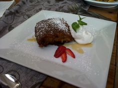 Raisin, pecan nut and carrot malva pudding with toffee sauce and whipped cream Malva Pudding, Toffee Sauce, Decadent Food, Sidewalk Cafe, Pecan Nuts, Romantic Dinners, Raisin, Whipped Cream, Carrots