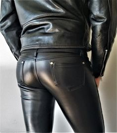 Butts Mens Leather Pants, Tight Leather Pants, Leather Fashion, Mens Fashion, Latex Men, Leder Outfits, Tights, Leggings, Men In Uniform