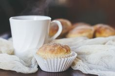 suz bakes: french toast muffins.