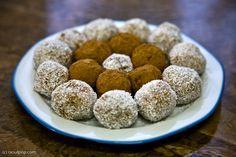 Reteta noua de Raffaello Ligia Pop Yummy Food, Tasty, Pinterest Recipes, Something Sweet, Pop, Cereal, Oatmeal, Recipies, Deserts