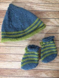 Ensemble bébé   bonnet et chaussons, layette en laine tricotée mains,  naissance. Cheapy93 · Vinted a2c809a8c6e