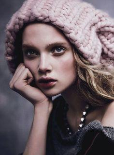 Holly Rose photographiée par Nicole Bentley pour Vogue Australie août 2013