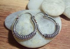 Tutorial for Wire Wrapped Hoop Earrings by JewlieBeads on Etsy, $6.00