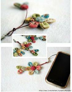 Cute Crafts, Bead Crafts, Jewelry Crafts, Fabric Brooch, Fabric Wreath, Fabric Flower Tutorial, Fabric Flowers, Fiber Art Jewelry, Flower Bag