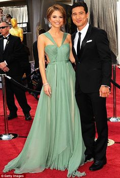 Design/style wise, I really loved Maria Menounos ethereal seafoam green A-line gown by Reem Acra Creation (Fall 2012 Bridal Collection) - with Mario Lopez (Saved by the Bell guy!!!)