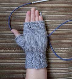 Marisa Almeida Tricot Crochet : Luva Tricot Sem Dedos Laço Mágico
