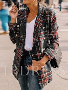 What the Athleisure trend is and how you can rock it Plaid Fashion, Autumn Fashion, Fashion Outfits, Womens Fashion, Fashion Trends, Fashion Coat, Fashion Clothes, Fashion Tips, Blazer Outfits Casual