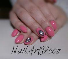 Lovely pink, diamond rhinestomes.