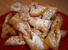 Zeppole are a fried Italian pastry that are served warm and dusted with confectioners' sugar or cinnamon-sugar. Zeppole are a traditional treat made for St. Italian Cookie Recipes, Italian Cookies, Italian Desserts, Italian Christmas Cookies, Christmas Baking, Desserts Frits, Cookie Desserts, Dessert Recipes, Pastries Recipes
