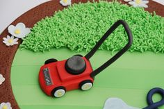 Garden lover, lawn mower cake, sugar lawn mower