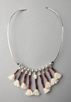 Coiled Necklace Inspired by the Checkered Unku Inka/Collar embarrilado inspirado en el Unku Inka ajedrezado