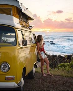 This time, there's no debate on which angle is the best to park. ~ Type of ri Vw Bus T2, Volkswagen Minibus, Volkswagen Transporter, Bus Camper, Vw T1, Vw Vintage, Mode Vintage, Van Life Blog, Diy Van Conversions