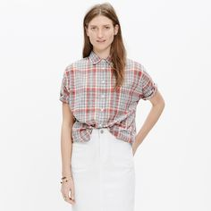 Madewell Courier Shirt in Kerchief Plaid Great condition. Less than a year old. Really great plaid that looks great with any kind of denim! Would keep but it's too large on me now. Madewell Tops Button Down Shirts