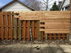 43 Ideas Backyard Makeover Before And After Diy Landscaping Diy Fence, Fence Landscaping, Backyard Fences, Backyard Projects, Outdoor Projects, Wood Pallet Fence, Wood Fence Gates, Hydrangea Landscaping, Backyard Privacy