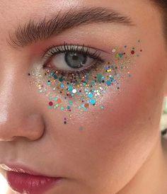 5 Non-Offensive Festival Make-Up Ideas Rave Makeup festival Ideas makeup NonOffensive Skull Makeup, Makeup Art, Beauty Makeup, Hair Makeup, Glitter Face Makeup, Glitter Gel, Sparkle Makeup, Glitter Shoes, Glitter Eyeshadow