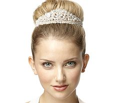 6 Stylish Wedding Hair Accessories