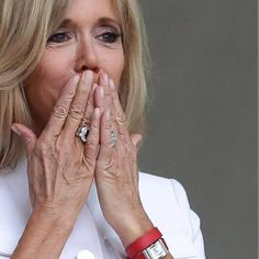 "Polubienia: 79, komentarze: 10 – #BrigitteMacron.France (@brigittemacron.france) na Instagramie: ""#brigittemacron #brigittetrogneux #macron"""