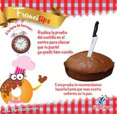 Realiza la prueba del cuchillo en el centro de tu pastel para asegurarte que esta bien cocido.