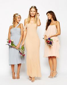 Tres diseños completamente distintos, pero perfectamente conjuntados para las damas de honor