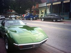 #Vintage cars in Kleinburg during Cartunes -- @JenClark88