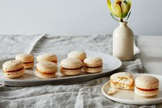 A Professional Baker's Insider Tips for Making the Best Macarons He's baked more than 500 batches. Baking Tips, Baking Recipes, Cookie Recipes, Dessert Recipes, Fun Recipes, Macaron Cookies, Macaron Recipe, Macaron Filling, The Joy Of Baking