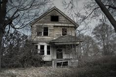The Sayer House (Kentucky). After both parents committed double suicide their four small children raised themselves for more than a decade in this home.