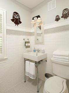 Harry Braswell Inc: Fantastic kids bathroom with cute owl decals that can easily be peeled off when ...