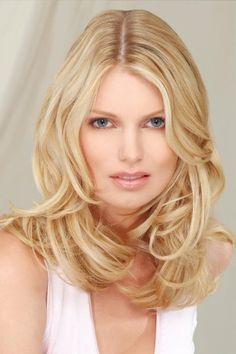 Schulterlanges-blondes-Haar-mit-Wellen_1388.jpg (400×600)