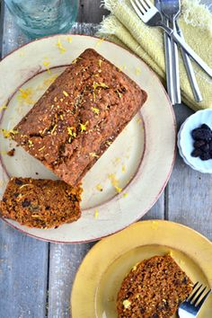 This gluten-free carrot coconut bread is a great recipe for those of you who miss traditionally sweet, moist carrot cake.