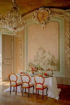 A German chateau, a flutter sleeve wedding dress, a rococo style wedding cake? These are the makings of destination wedding magic. And these are exactly the things you can expect when you scoot on over to this Old World wedding inspiration for spring and summer. Luxury Wedding Decor, Luxe Wedding, Wedding Linens, Timeless Wedding, Elegant Wedding, Wedding Looks, Perfect Wedding, Chateau Wedding Inspiration, Wedding Design Inspiration