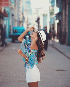 Cuba Outfit, Cuba Fashion, Best Photo Poses, Beach Poses, Fashion Photography Poses, Foto Pose, Summer Outfits, Outfits For Cuba, Panama